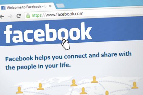 Modrá už se prý nenosí! Facebook mění nejen barvu!